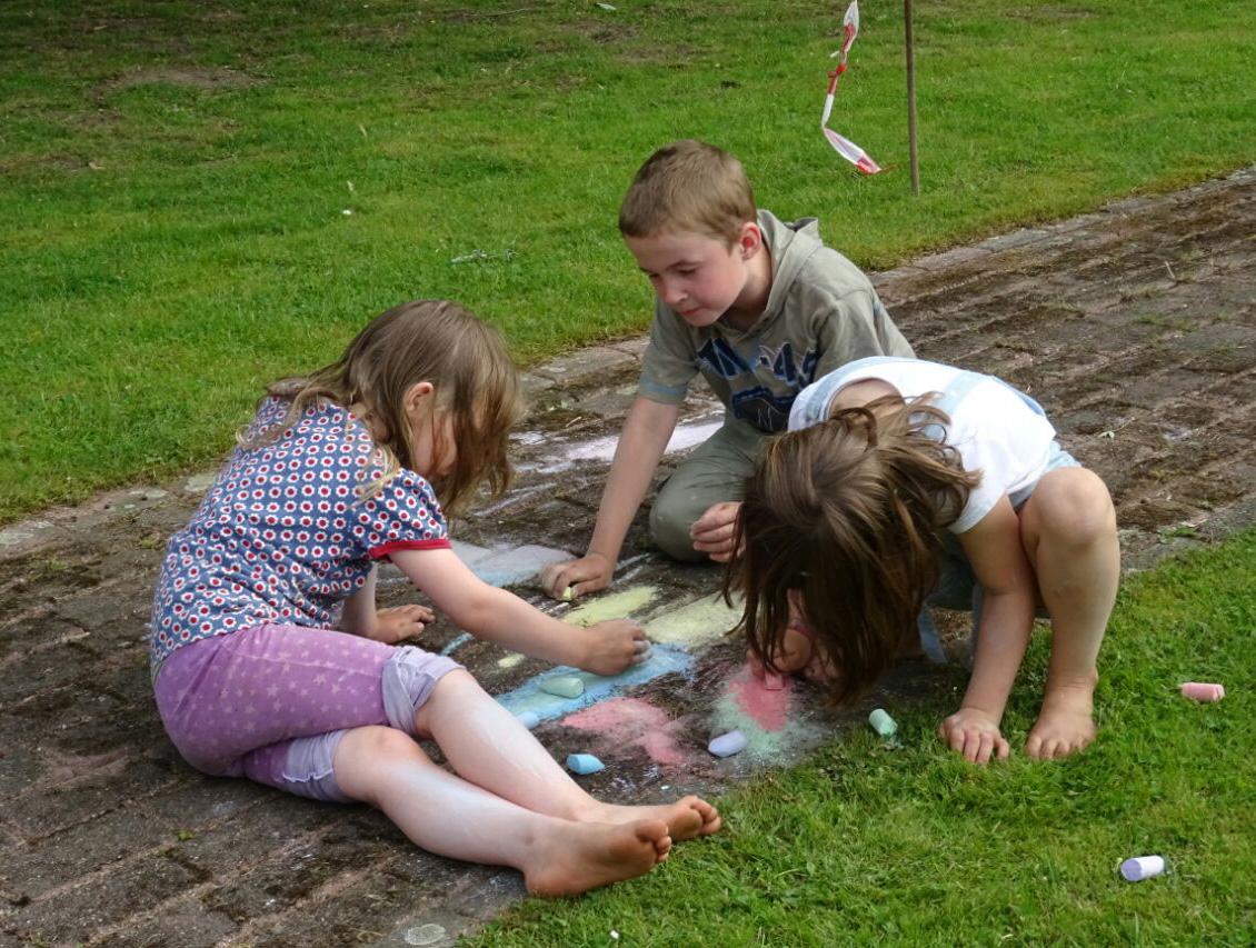 spielende_Kinder